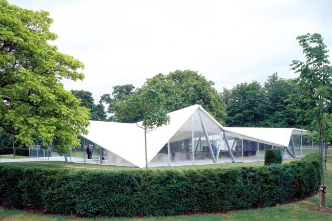20140816 serpenting pavilion hadid